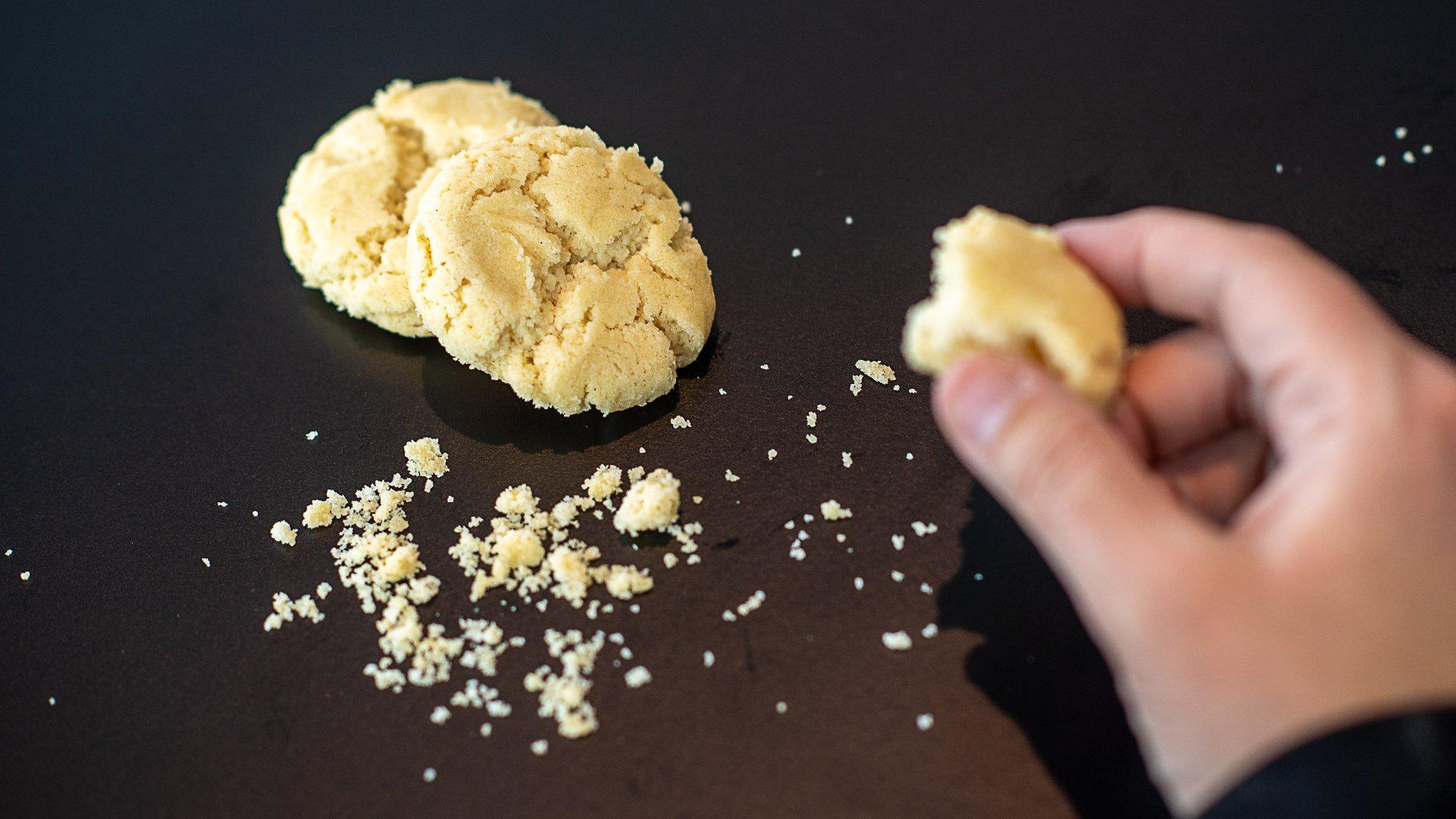 kakor och en hand